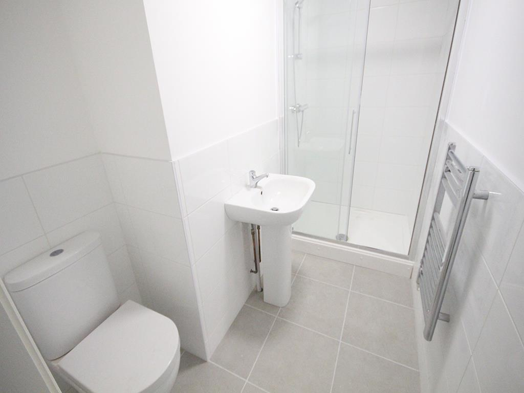 2 bedroom apartment To Let in Earby - IMG_5058.jpg